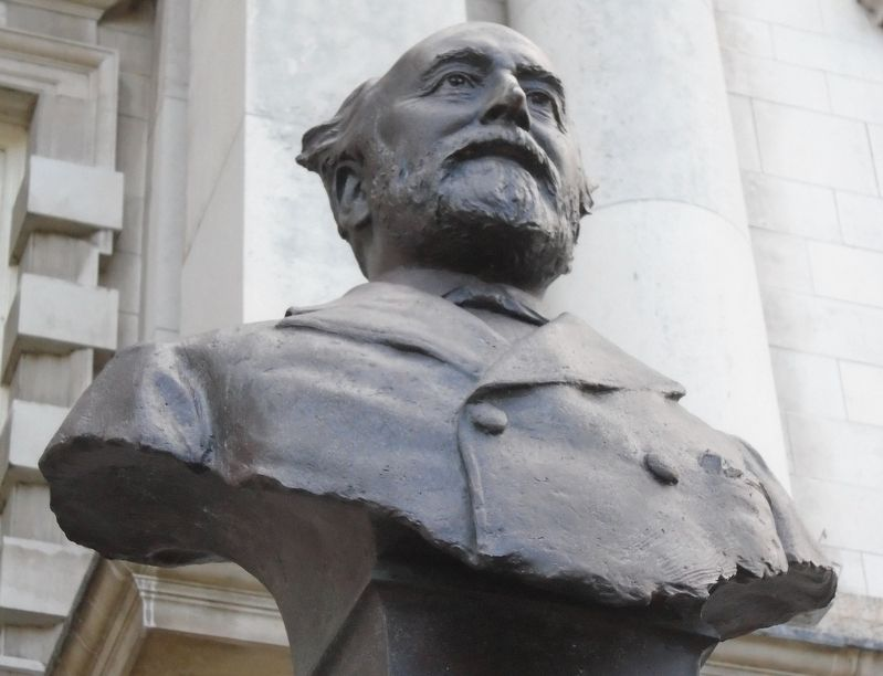 William James Pirrie Bust on Monument image. Click for full size.