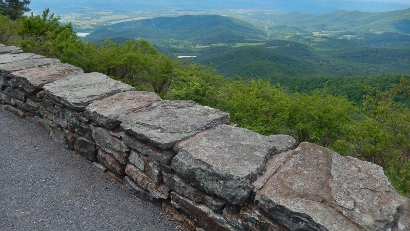 Jewell Hollow Overlook wall<br>(<i>view from near marker</i>) image. Click for full size.