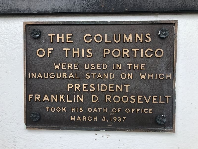 The Columns of This Portico Marker image. Click for full size.