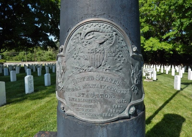 Staunton National Cemetery Flagstaff Plaque image. Click for full size.
