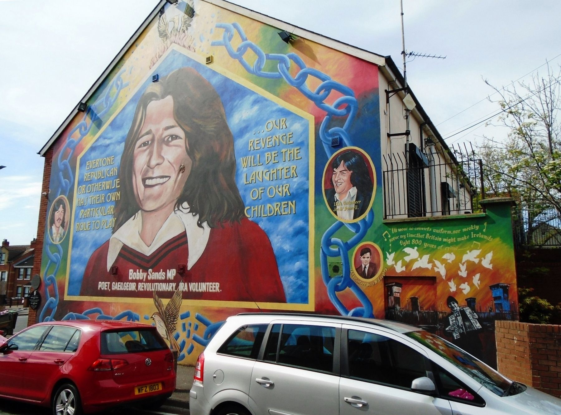 Bobby Sands MP Mural and Marker image. Click for full size.