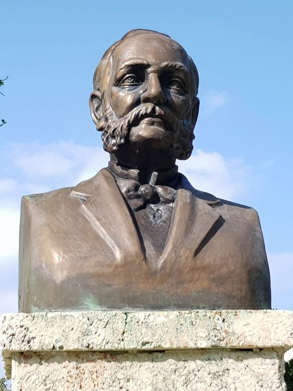 The bust of Carlos J. Finlay image. Click for full size.