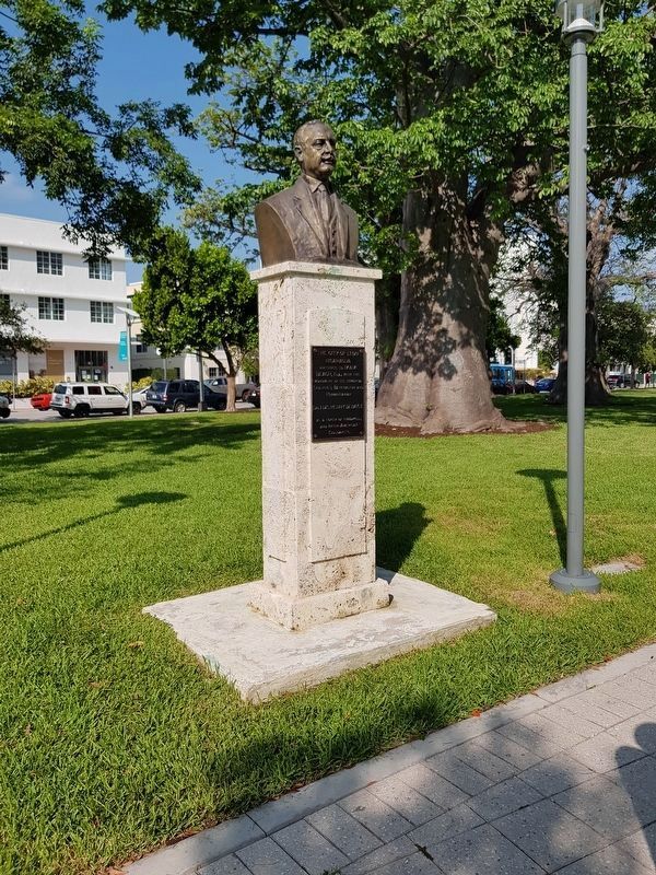 The nearby monument and marker to Dr. Luis Henry Debayle image. Click for full size.