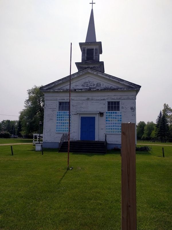 Sashabaw United Presbyterian Church image. Click for full size.
