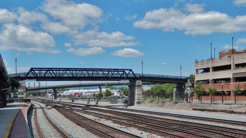 Dr. Martin Luther King Jr. Memorial Bridge<br>(<i>east side • view from Roanoke Station</i>) image. Click for full size.