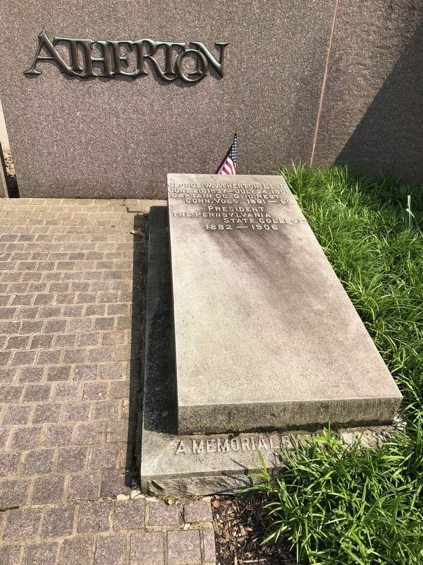 President Atherton's Grave Site image. Click for full size.