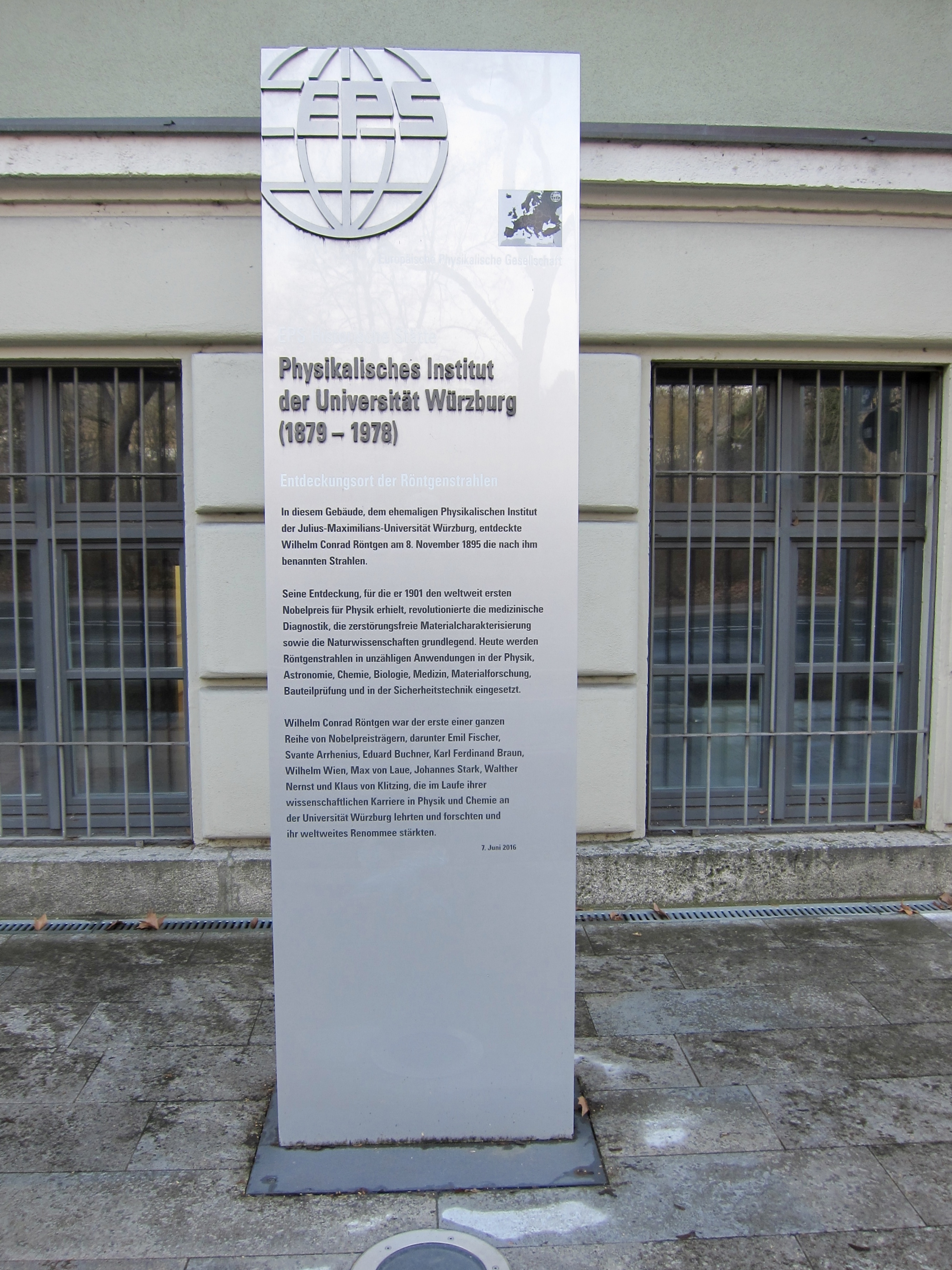 Entdeckungsort der Röntgenstrahlen / Site of the Discovery of X-Rays Marker