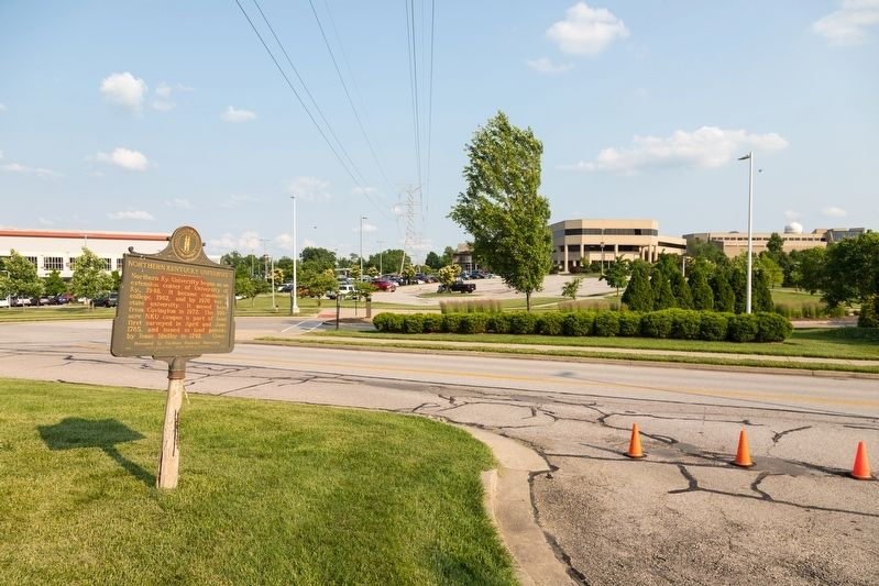 Northern Kentucky University / Early Schoolhouse Marker image. Click for full size.