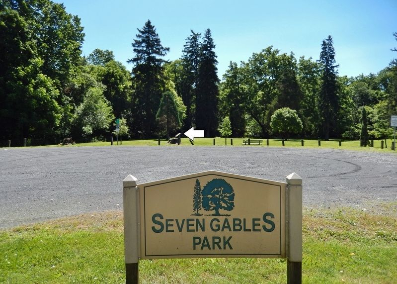 Seven Gables Park Entrance from Giant Lane<br>(<i>marker visible in background</i>) image. Click for full size.