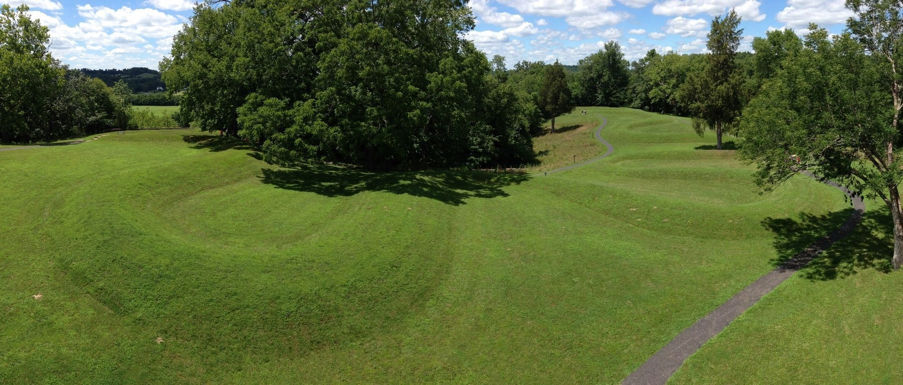 The Great Serpent Mound image. Click for full size.