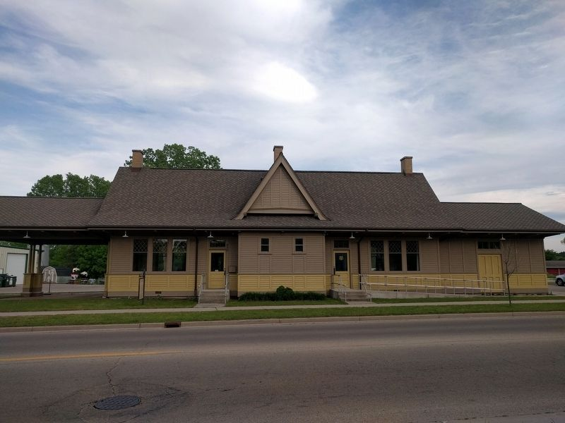 Milwaukee Road Depot and Marker image. Click for full size.
