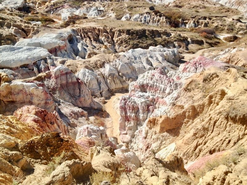 Paint mines formations. image. Click for full size.