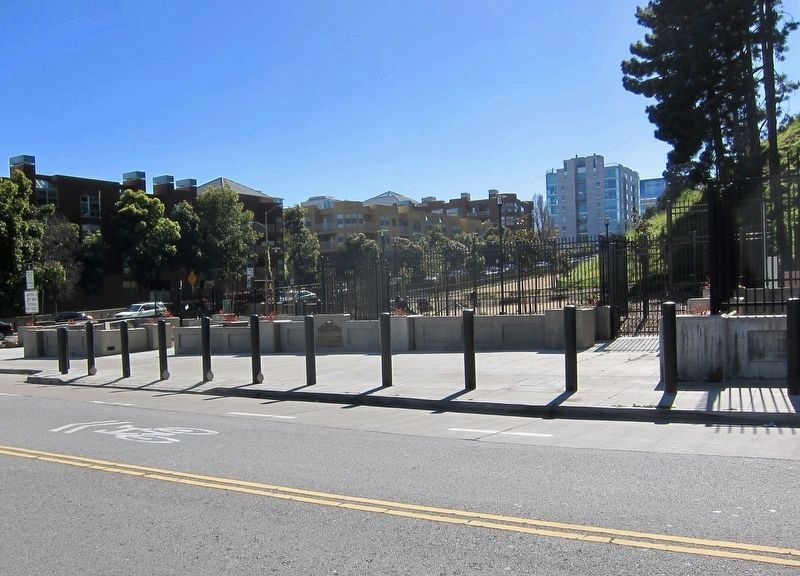 Rincon Hill Marker - wider view image. Click for full size.