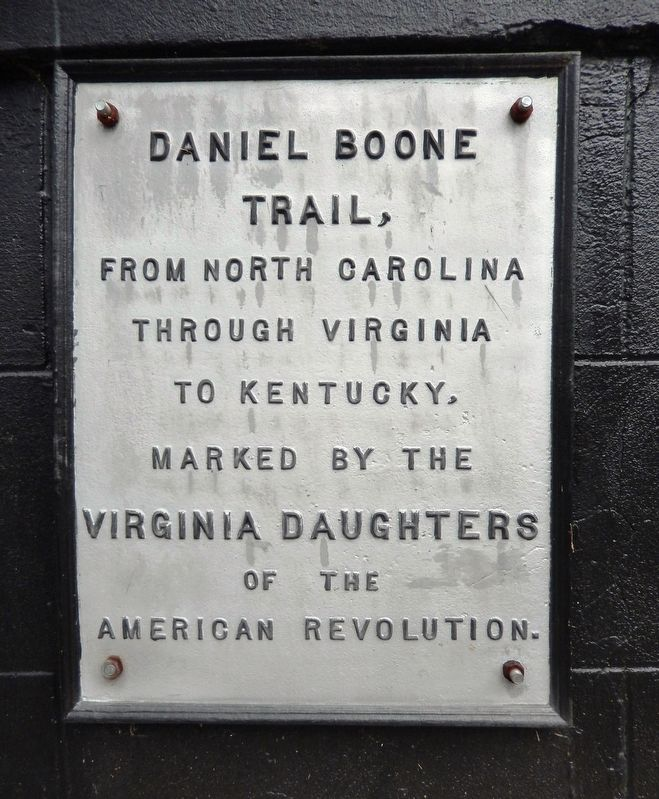 Daniel Boone Trail Marker image. Click for full size.