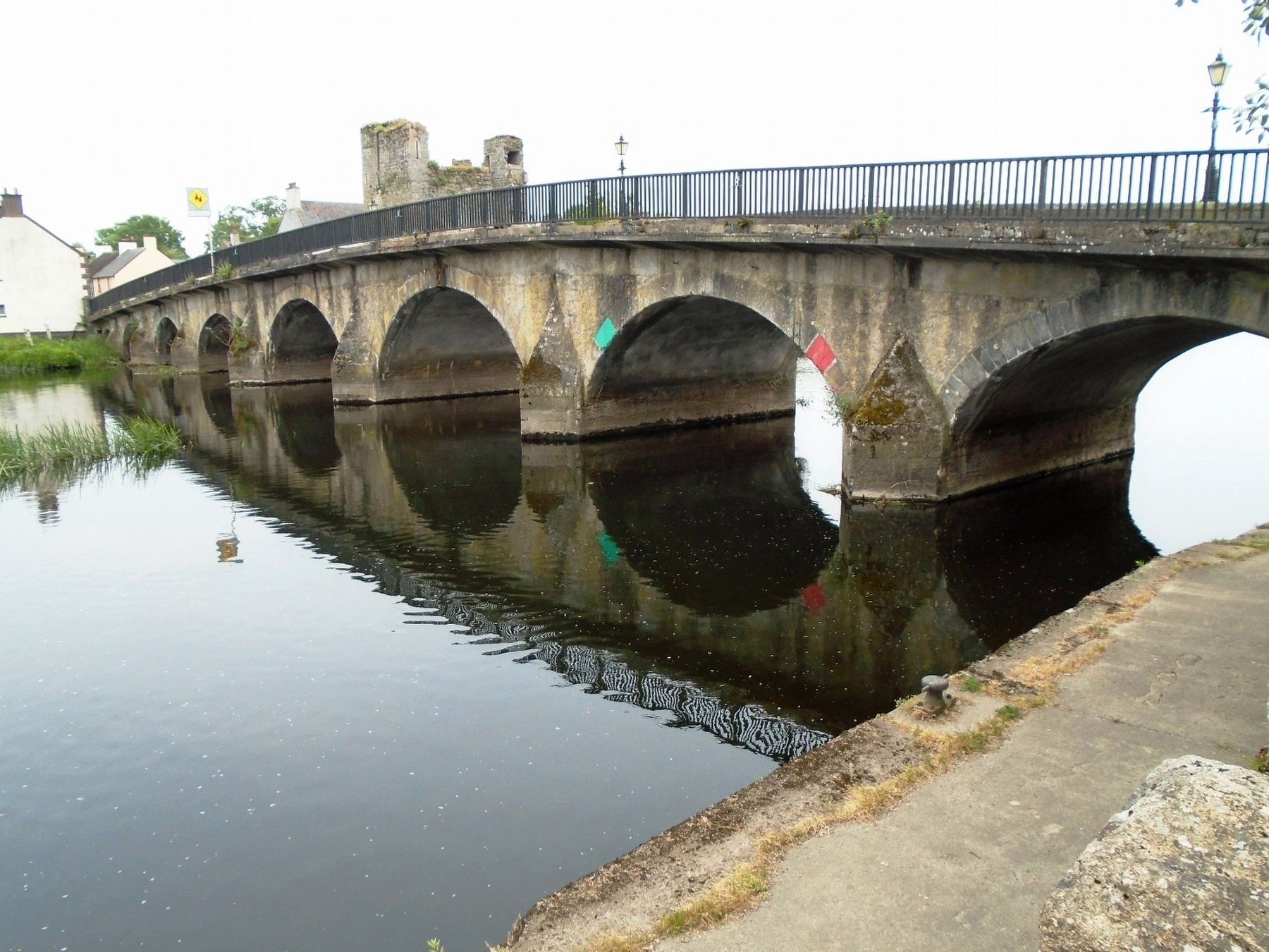 Leighlinbridge's Current River Barrow Bridge image. Click for full size.