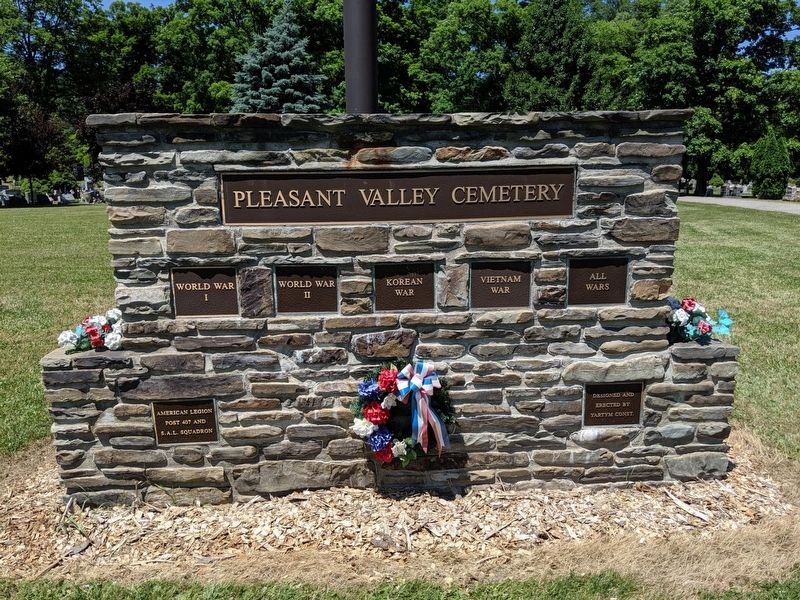 Pleasant Valley War Memorial image. Click for full size.