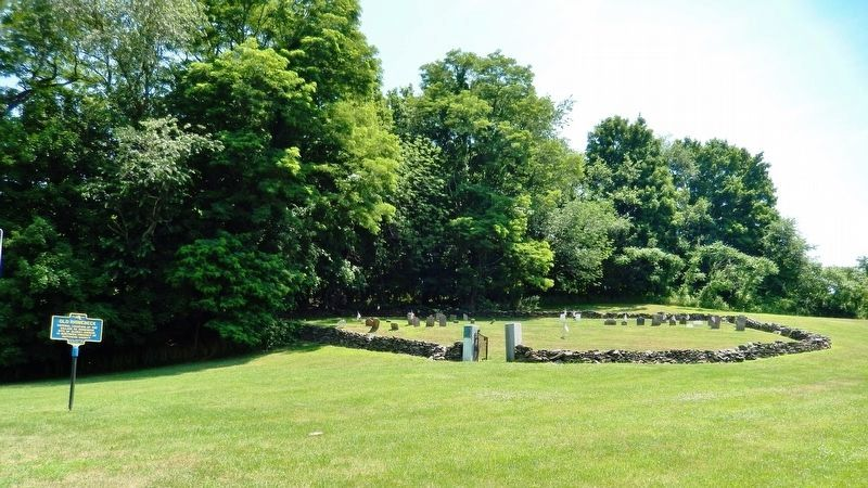 Old Rhinebeck Marker<br>(<i>wide view looking west from U.S. Highway 9</i>) image. Click for full size.