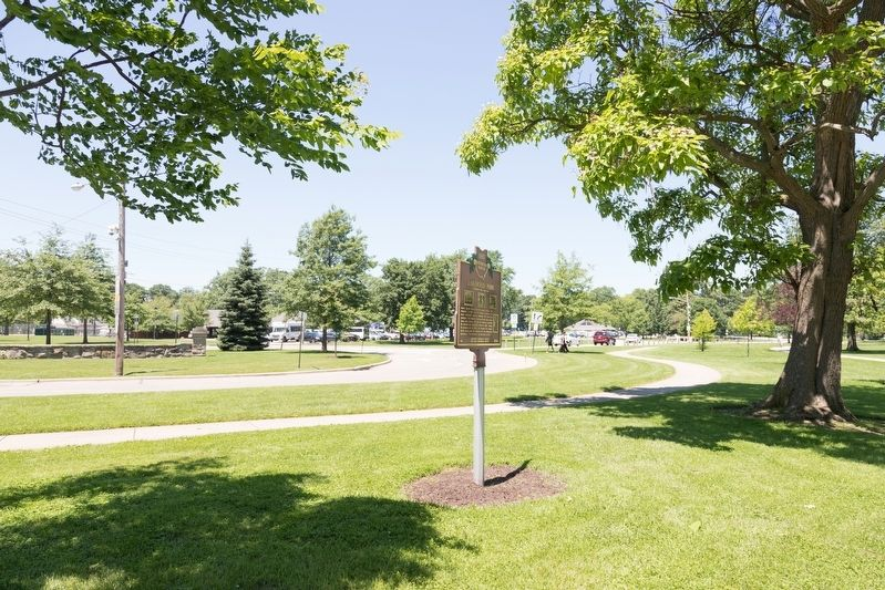 Lakewood Park and Marker image. Click for full size.
