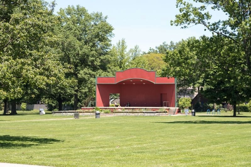 Lakewood Park Bandshell image. Click for full size.