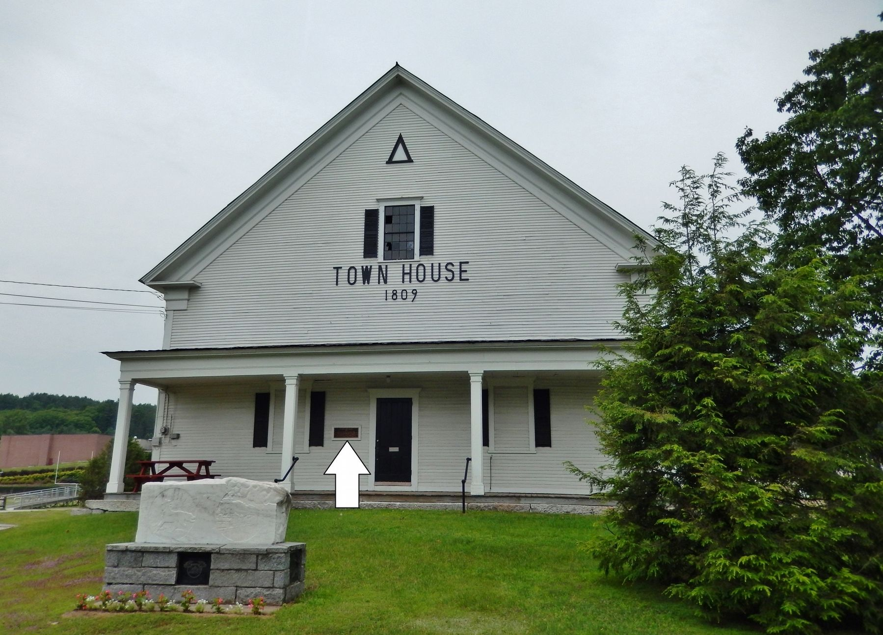 Lyndon Town House (<i>marker visible left of front entrance</i>) image. Click for full size.
