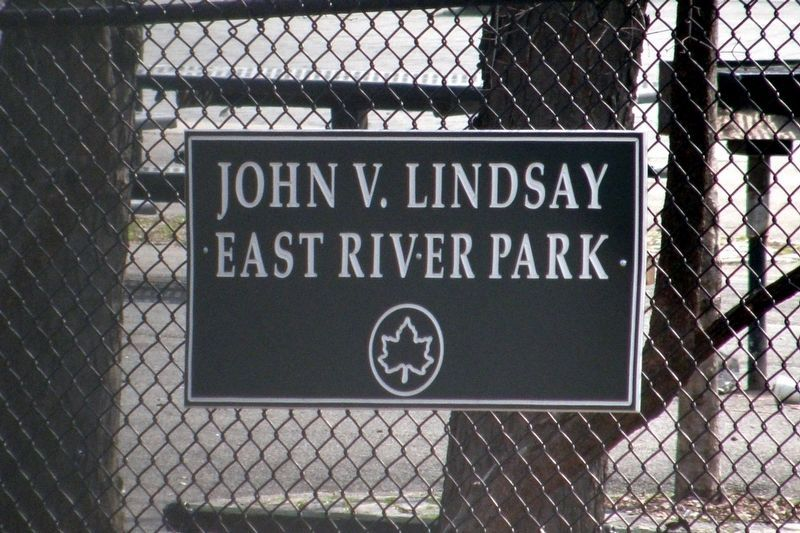 The only Lindsay sign in all of East River Park? image. Click for full size.