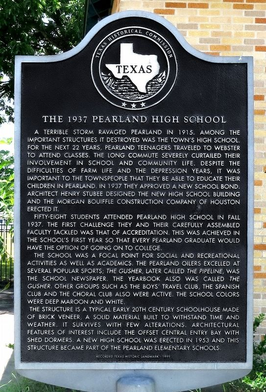 The 1937 Pearland High School Marker image. Click for full size.