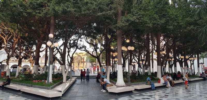 A view of the Central Square of Veracruz image. Click for full size.