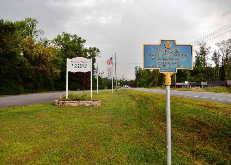 Fort Anne Marker<br>(<i>view looking north • US Highway 4 on right</i>) image. Click for full size.