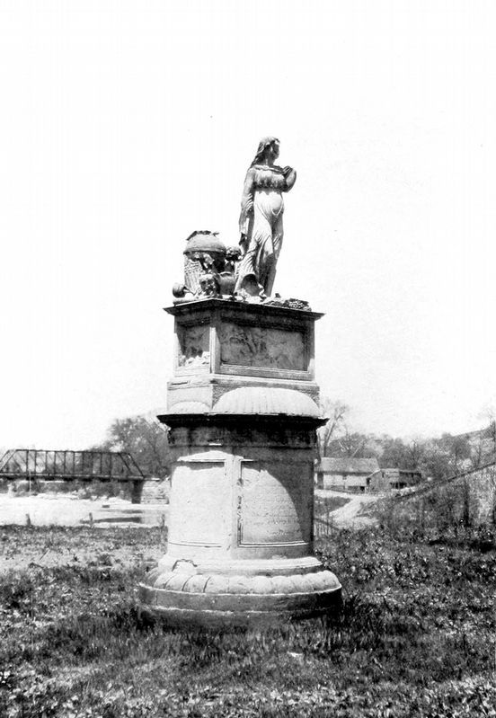 Clay Monument, Elm Grove image. Click for full size.