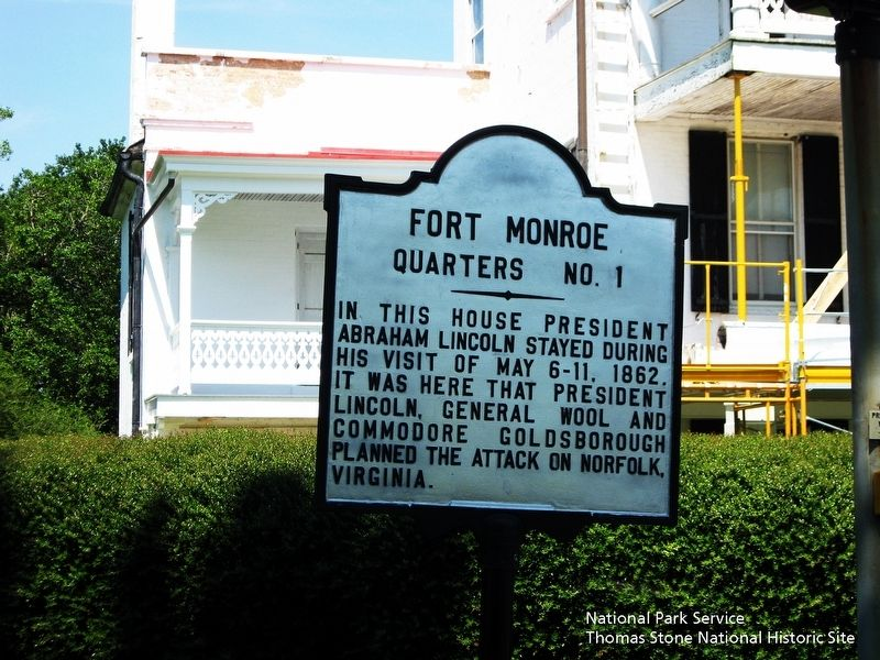 Fort Monroe Marker and Quarters No. 1 exterior. image. Click for full size.