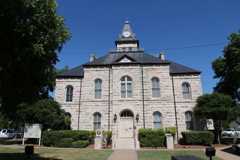 Somervell County Courthouse image. Click for full size.