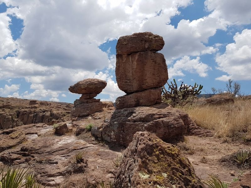 Nearby rock formations known as 'guardians' image. Click for full size.