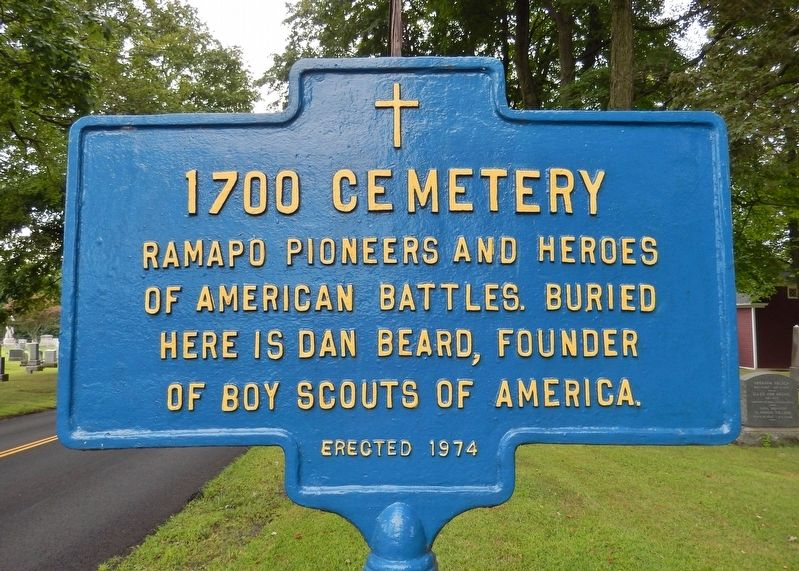 1700 Cemetery Marker image. Click for full size.