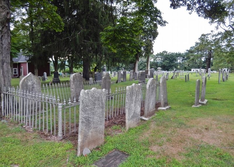 Unidentified Family Plot (<i>located near marker</i>) image. Click for full size.