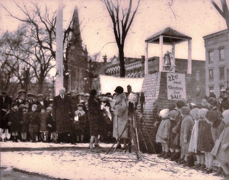 Marker detail: Grace Coolidge opens the Christmas Seal campaign in Pulaski Park in the 1930s image. Click for full size.