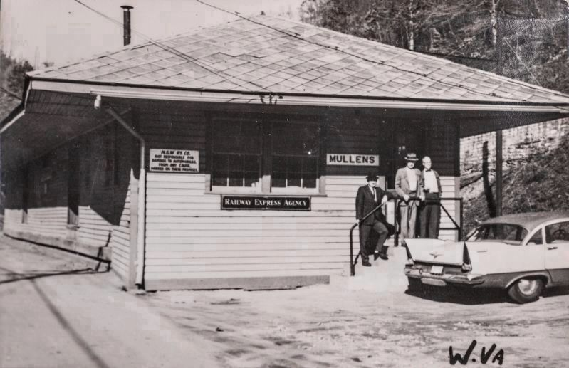 Norfolk & Western Railway Station, Mullens W.Va. image. Click for full size.