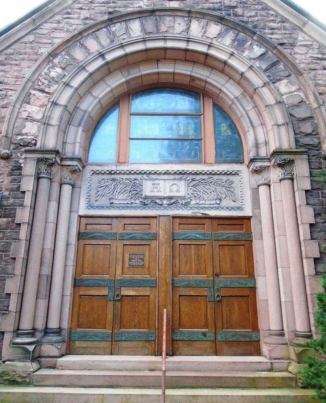 First Presbyterian Church Side Entrance image. Click for full size.