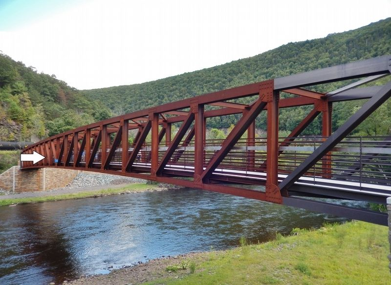 Lehigh River Pedestrian Bridge (<i>north side view</i>) image. Click for full size.