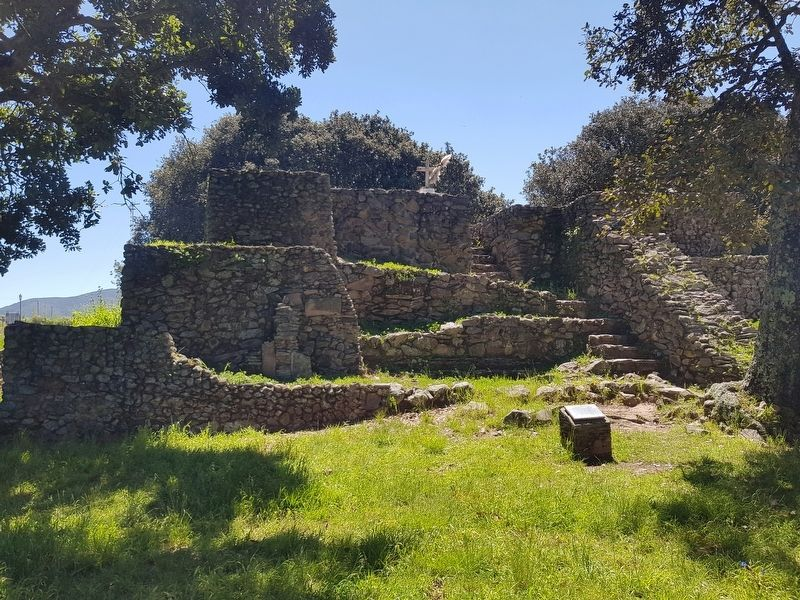 The <i>Templo del Guerrero (Temple of the Warrior)</i> at Huamango image. Click for full size.
