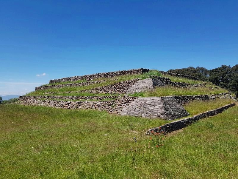 <i>El Palacio (The Palace)</i> at the Huamango Archaeological Site image. Click for full size.