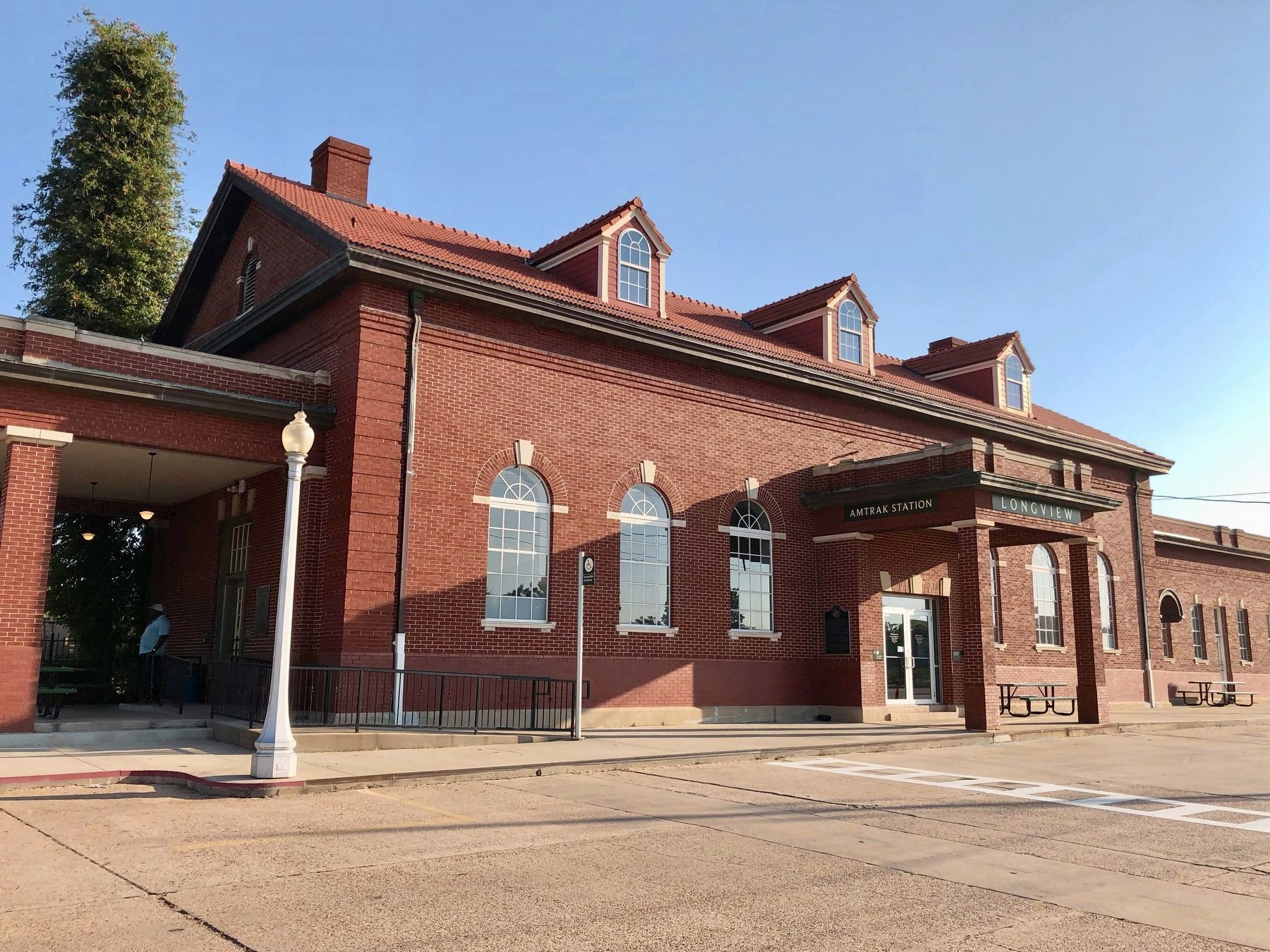 The Longview Train Depot (Amtrak Station) and Marker (left of entrance). image. Click for full size.