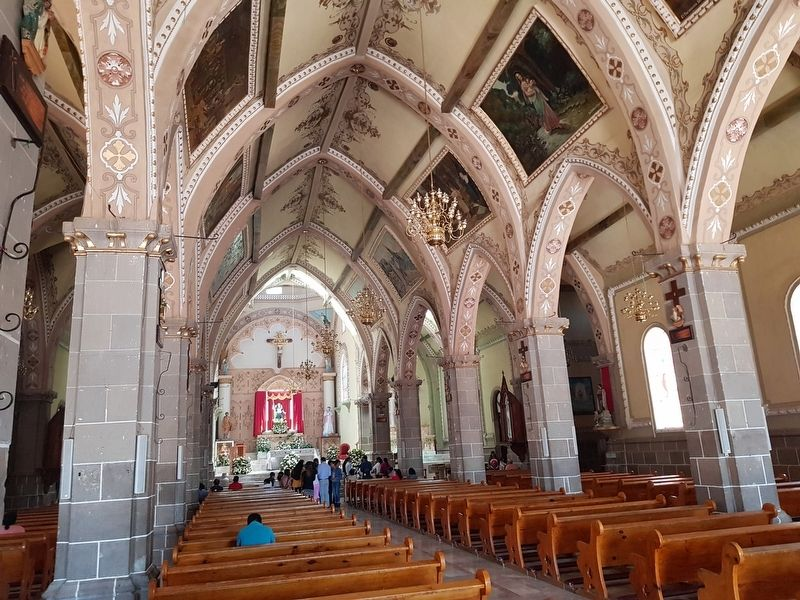 An interior view of the Parish Church of San Miguel Arcángel image. Click for full size.