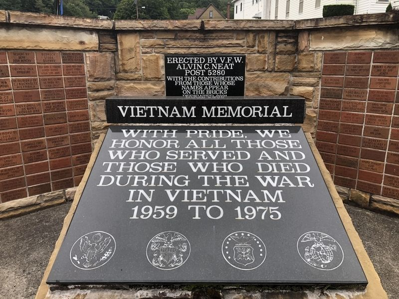Vietnam Memorial image. Click for full size.