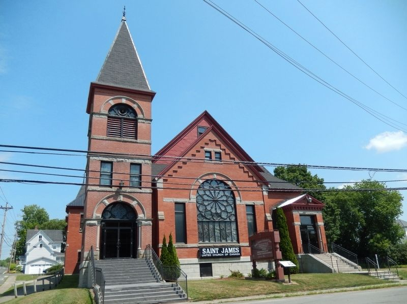 Saint James United Church / Église unie Saint James<br>(<i>marker visible in front of church</i>) image. Click for full size.