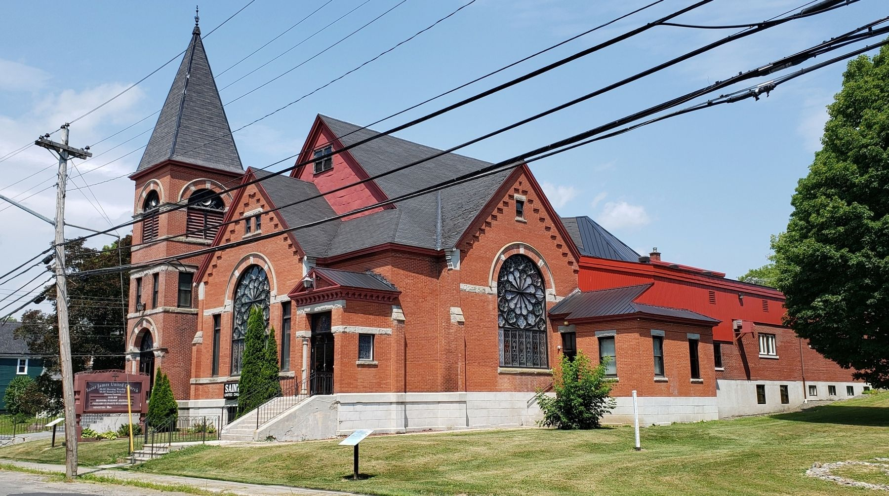 Saint James United Church / Église unie Saint James<br>(<i>southeast corner view</i>) image. Click for full size.