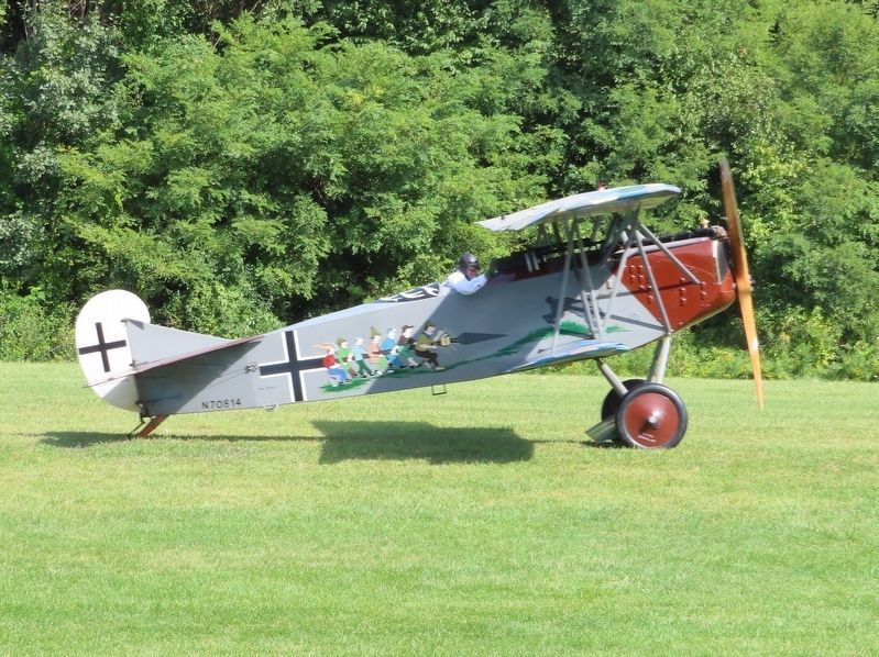 1918 Fokker D-VII (reproduction) image. Click for full size.