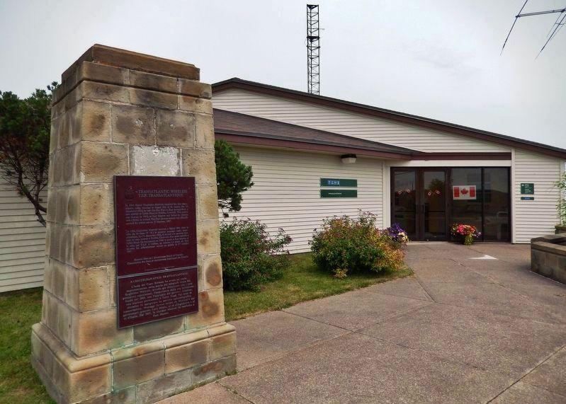 Transatlantic Wireless Marker<br>(<i>wide view • Marconi Historic Site Visitor Center behind</i>) image. Click for full size.