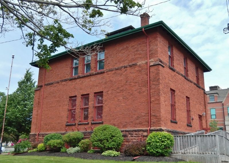 The Summerside Armoury (<i>southeast corner view</i>) image. Click for full size.