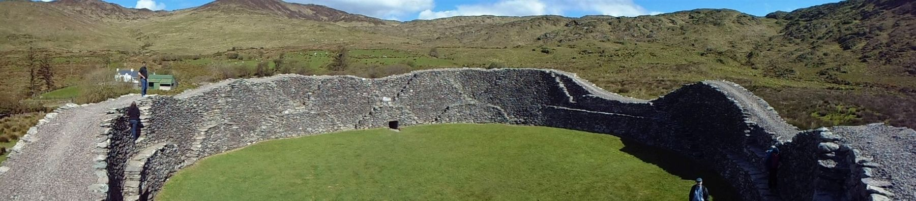 Cathair na Stéige / Staigue Fort Interior image. Click for full size.