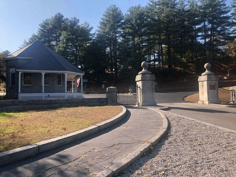 Entrance to Blossom Hill Cemetery image. Click for full size.